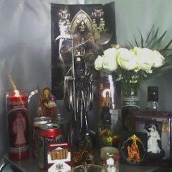 Imágenes de la Santa Muerte altares